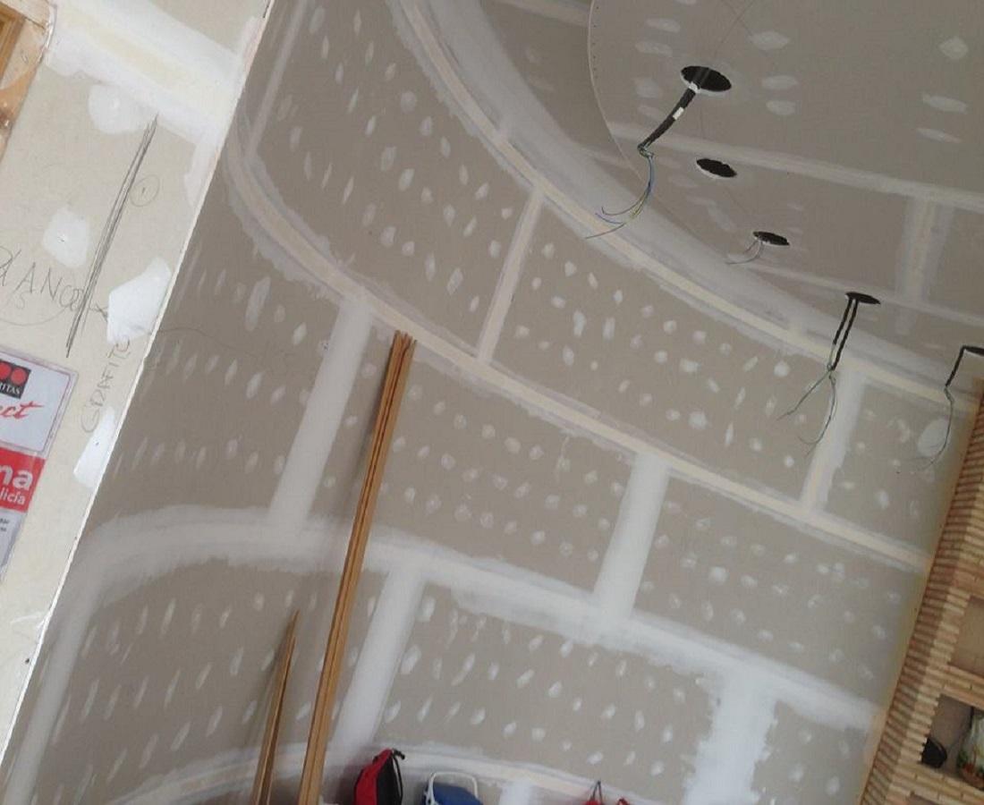 Tabiques curvos pladur pladur en castell n - Precio moldura escayola techo ...
